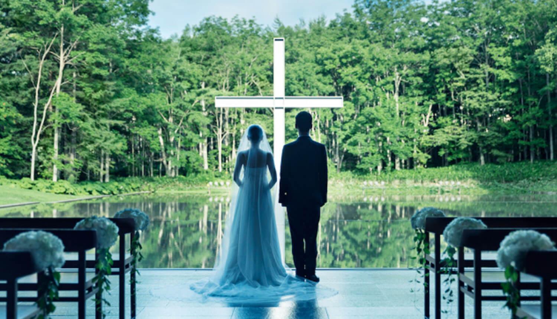 この時期ならではの魅力<br /> ベストシーズンの水の教会 挙式 4
