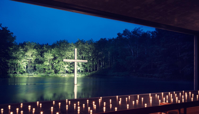 この時期ならではの魅力<br /> ベストシーズンの水の教会 挙式 5